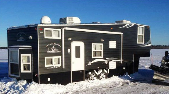 Ice Castle Fifth Wheel Exterior