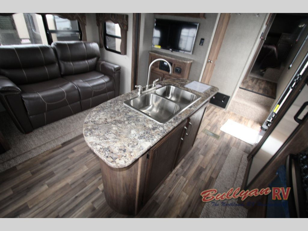 Keystone Cougar X-Lite Fifth Wheel Kitchen