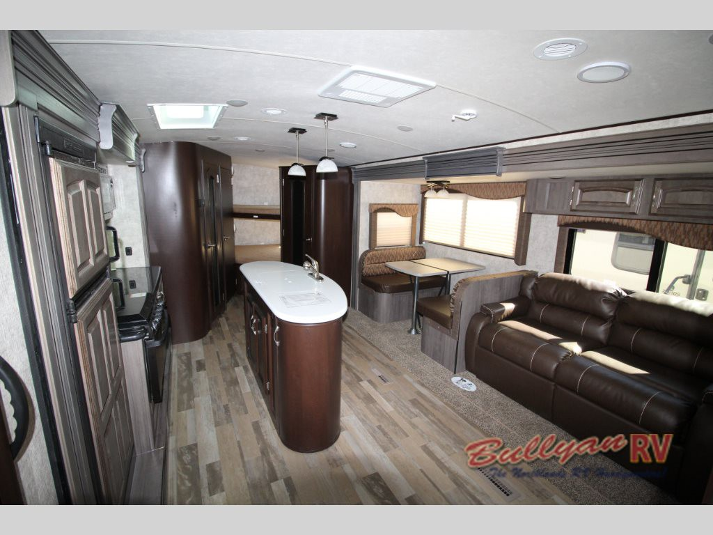 Winnebago Ultralite Travel Trailer Interior