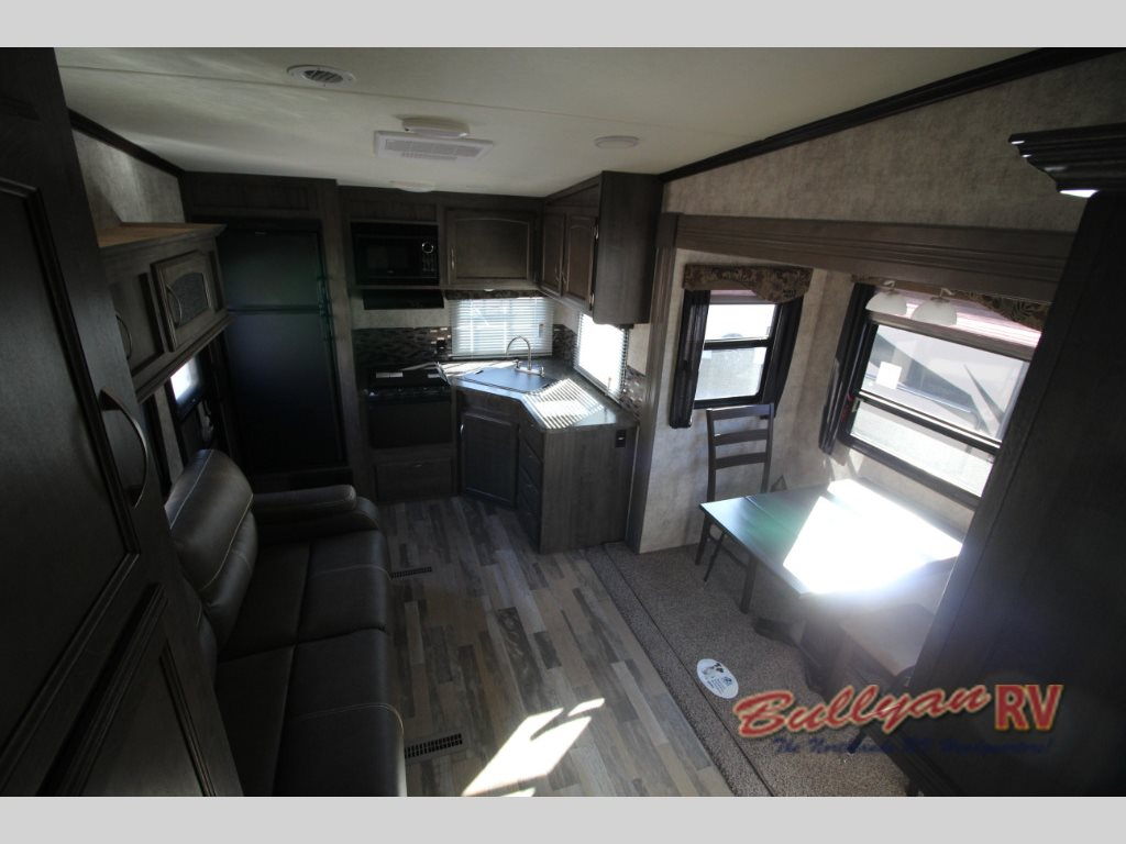 Winnebago Voyage Fifth Wheel Living Area