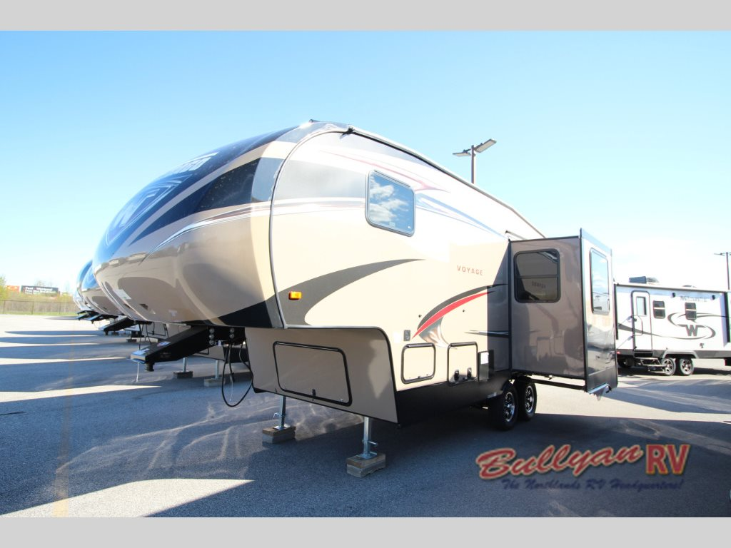 Winnebago Voyage Fifth Wheel