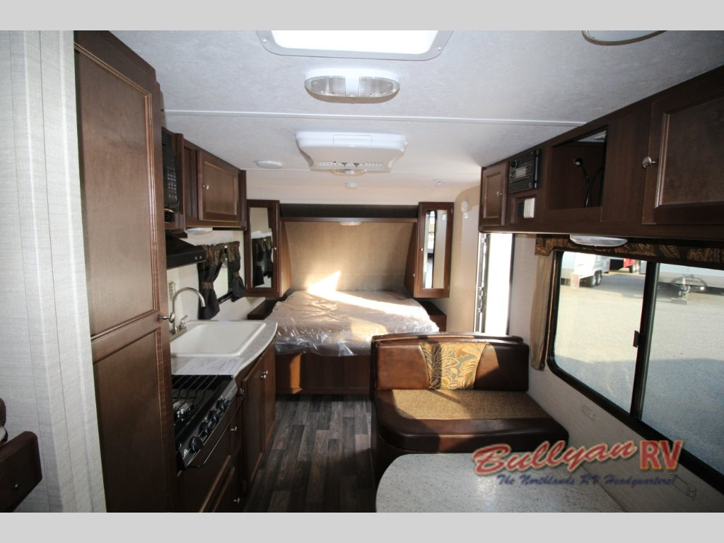 Keystone Bullet Crossfire 2070BH travel trailer