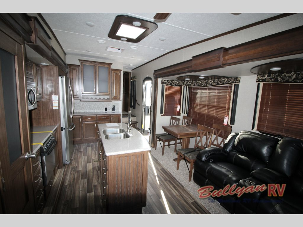 Keystone Montana High Country Fifth Wheel Living Area