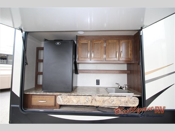 Keystone Montana High Country Fifth Wheel Outdoor Kitchen