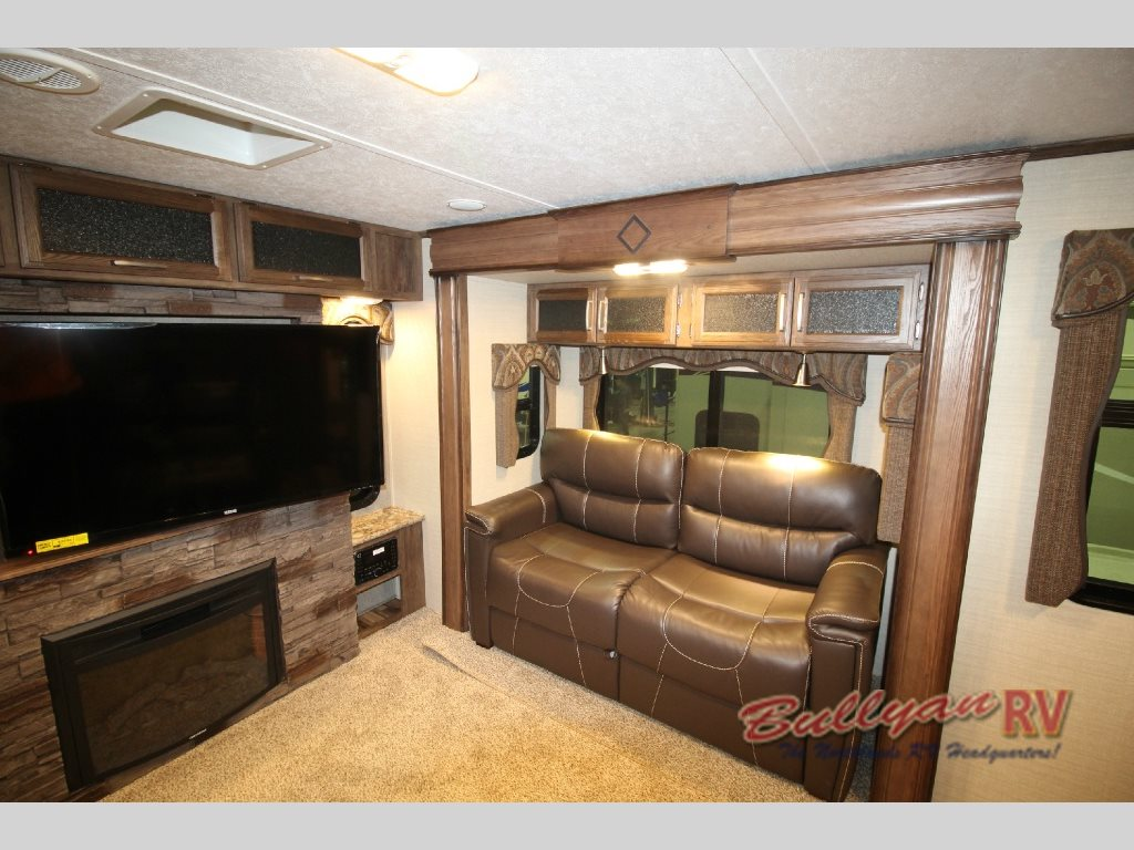 Keystone Cougar Fifth Wheel Fireplace