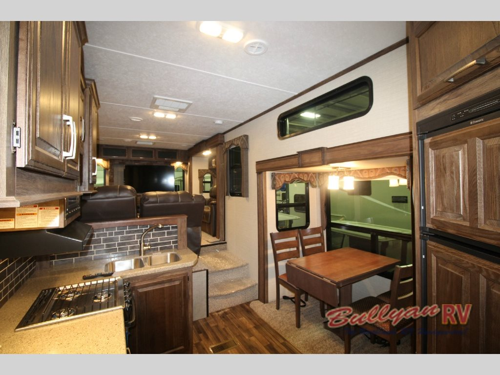 Keystone Cougar Fifth Wheel Lving Area