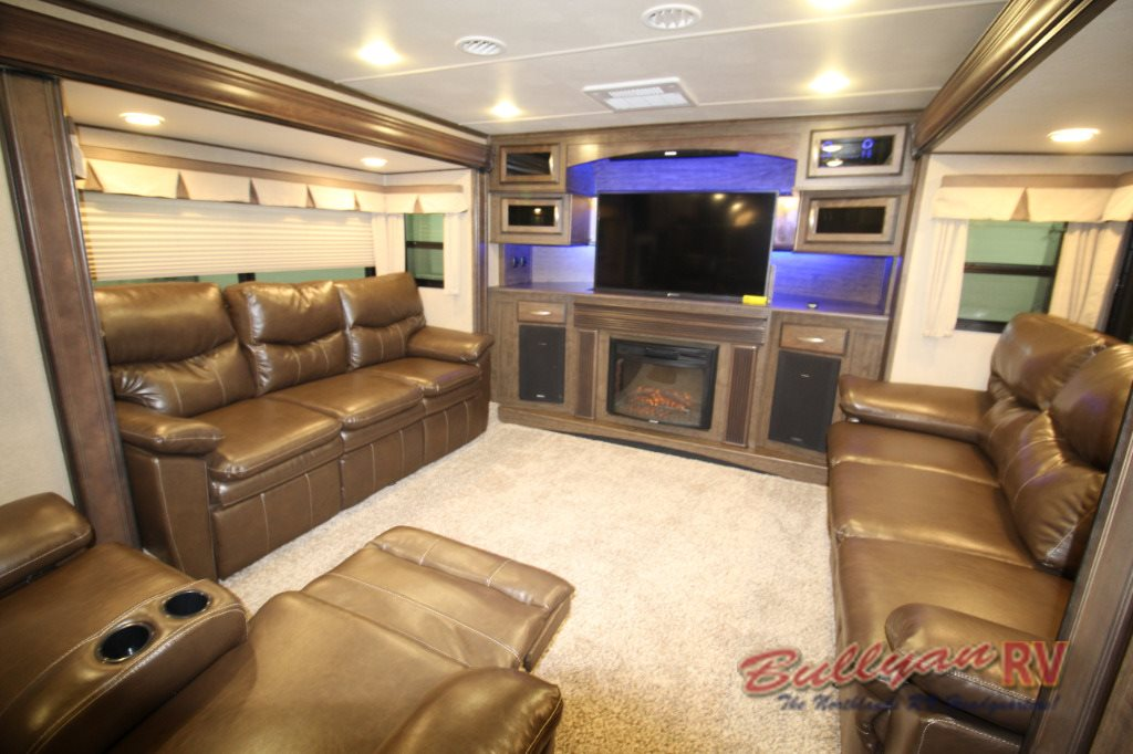 Grand Design Solitude 379FL Fifth Wheel Front Living