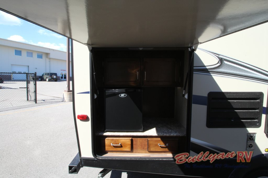Keystone Outback Ultra-Lite Travel Trailer Outdoor Kitchen
