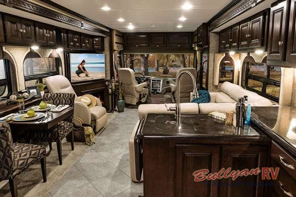 Winnebago Adventurer 38Q Class A Motorhome Interior