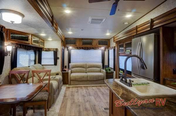 Keystone Sprinter Fifth Wheel Interior