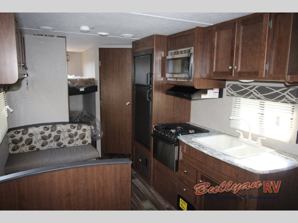 2017 Keystone Hideout 262LHS travel trailer Interior