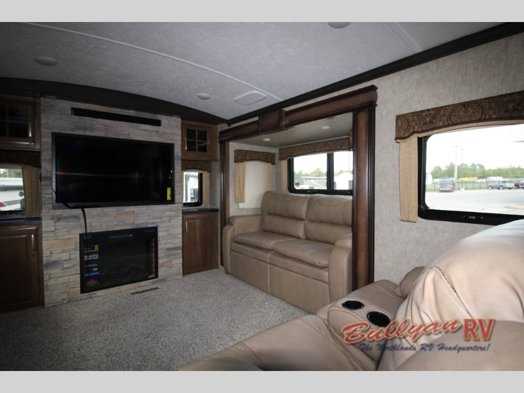 Keystone Montana Fifth Wheel Living Area