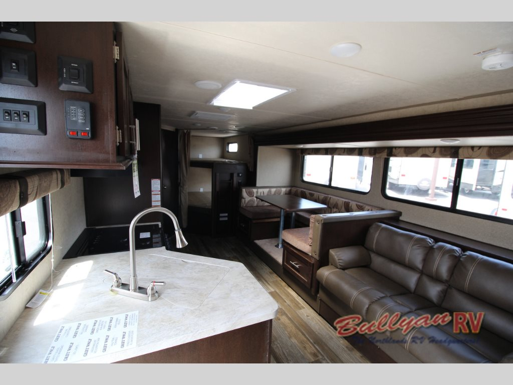 Grey wolf fish house dealers in mn - Forest River Cherokee Grey Wolf 26dbh Travel Trailer Interior