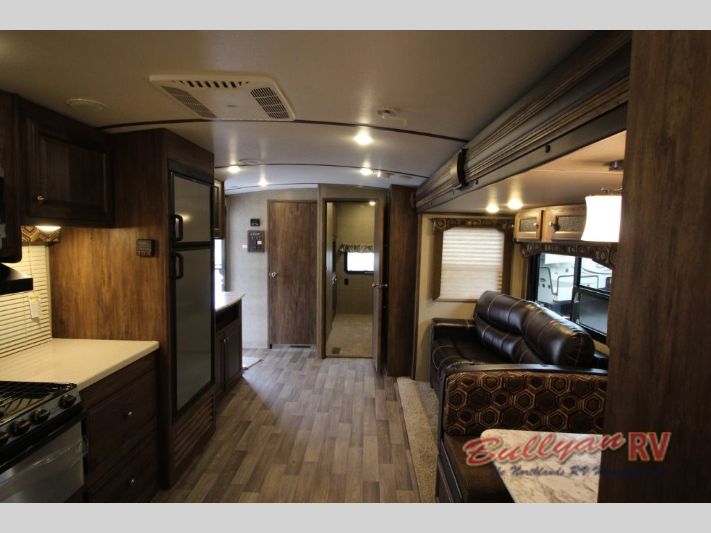 Keystone Cougar X-Lite 32FKB Travel Trailer interior