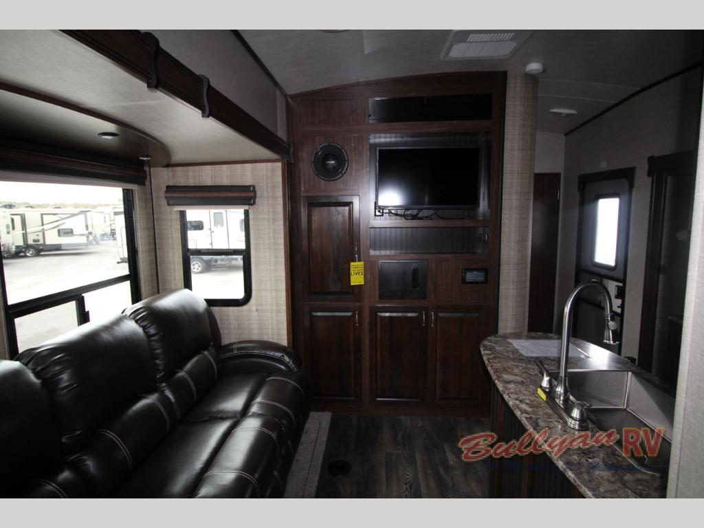 Heartland Torque Toy Hauler Travel Trailer Interior