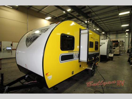 Winnebago Towbles Winnie Drop Travel Trailer Yellow