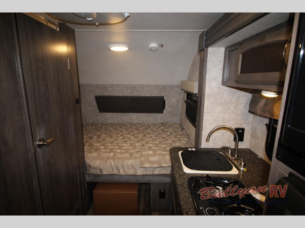 Winnebago Towbles Winnie Drop Travevl Trailer Bed