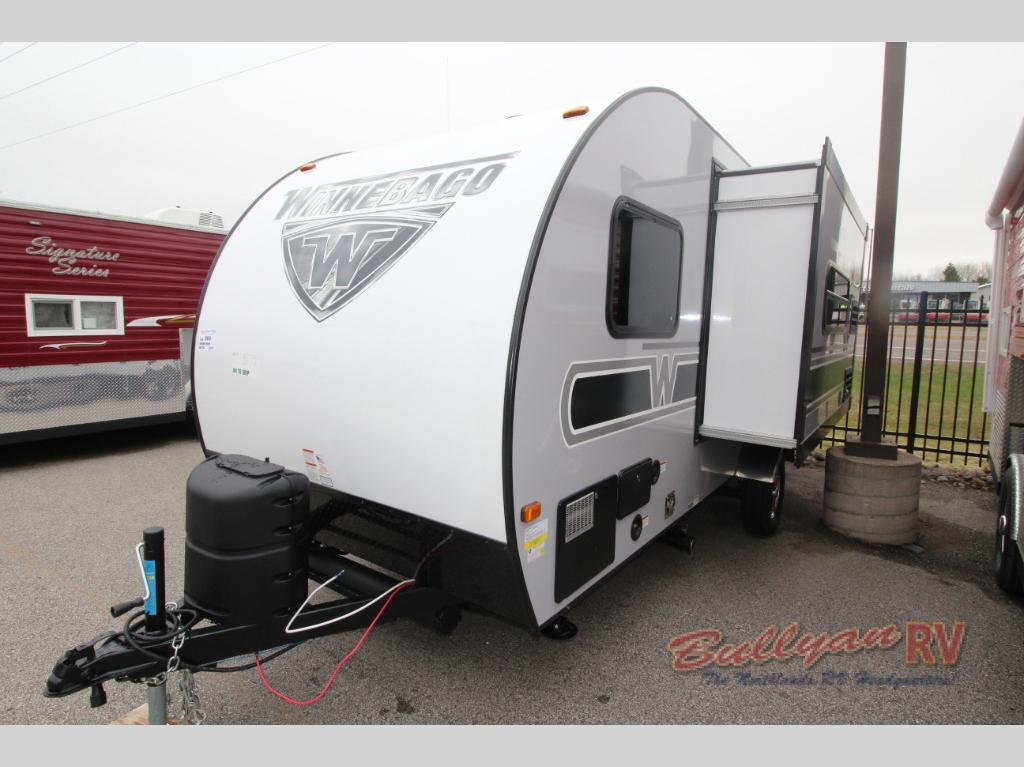 Winnebago Towbles Winnie Drop Travevl Trailer