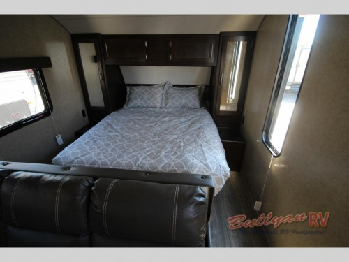 Cherokee Grey Wolf 26CKSE Travel Trailer Master Bedroom