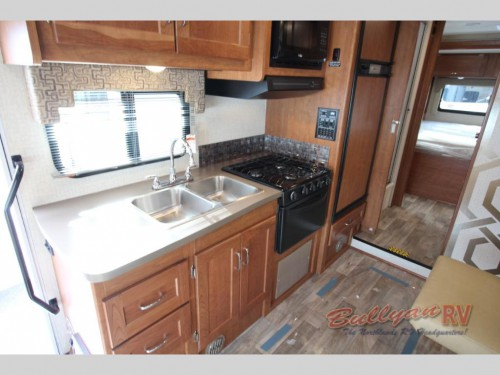 Winnebago Minnie Winnie 26A Class A Motorhome Interior