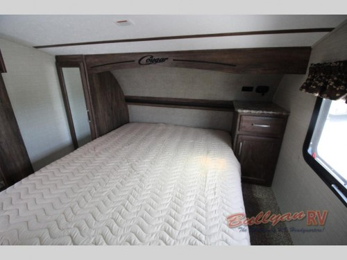 Cougar X-Lite 28SGS Fifth Wheel Bedroom