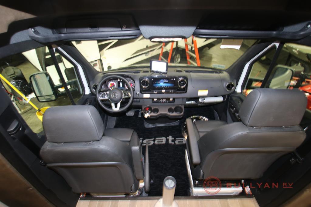 Dynamax Cab