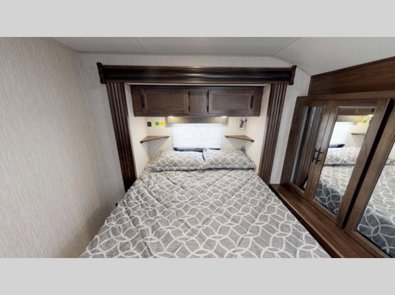 Cherokee travel trailer bedroom